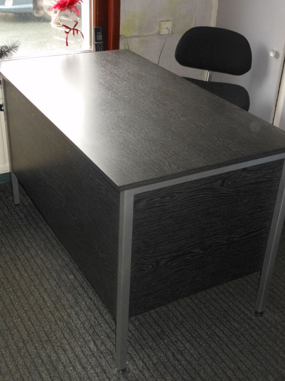 Reception/consulting room desks